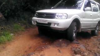 Tata Safari off road 4x4