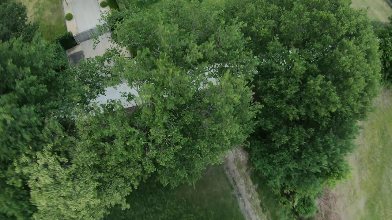 Unedited Freestyle FPV Drone Clip фото