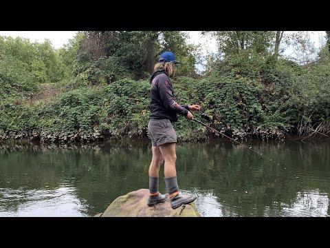 Bobber Fishing. Green River Chum