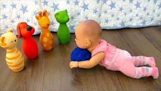 Куклы Пупсики Аннабель Учится Ходить Играет в Игрушки Как Мама Мультик Для девочек