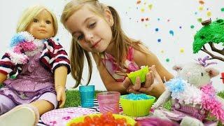 Игры для детей. Пирожное из Плей До для куклы