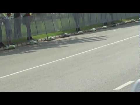 Mika Hakkinen vs Johnny Tri Nguyen