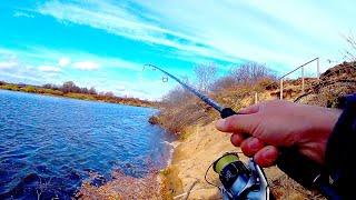 Не побоялись такой рыбалки в НОВОМ месте Ловля на спиннинг в шквал Поиск щуки на реке Джиг