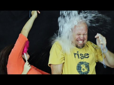 Ice Bucket -Tickle- Challenge