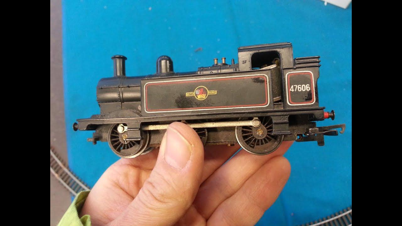 OO Model Railway Triang R52 0-6-0 Tank Engine 47606 being test run - YouTube