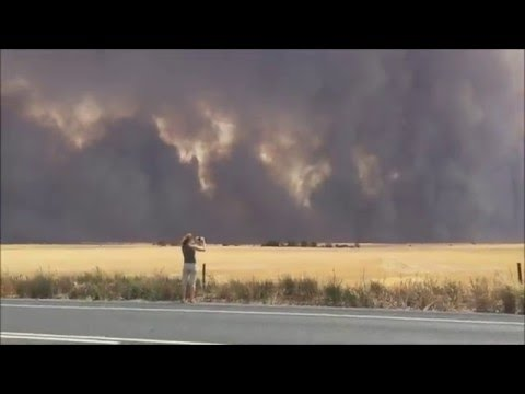 Horrific Australia Pinery Bush Fire. Peter Rosenfeld Lucky Escape. Disturbing Content.