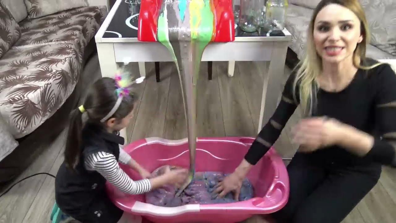 Lina İle Salonun Ortasında Slime Şelalesi Yaptık | Eğlenceli Çocuk Videosu