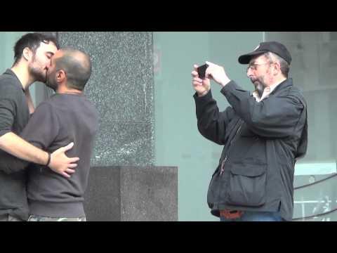 Birra Dreher bacio gay: #7 - RAGAZZI CHE LIMONANO
