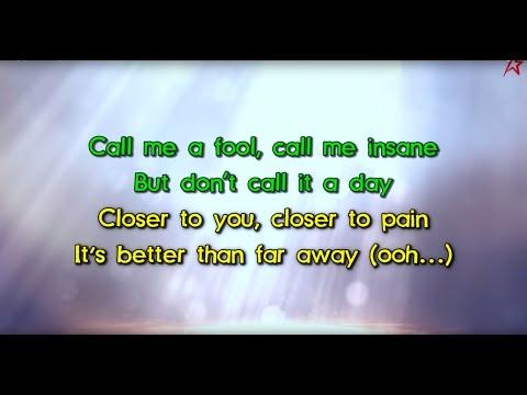 Britney Spears - Clumsy (Karaoke Version)