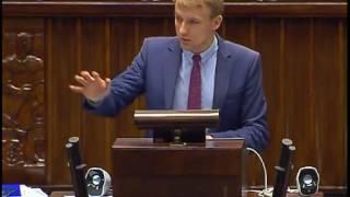 Poseł Kukiz'15 odpalił z mównicy spot PRZECIWKO PODWYŻSZANIU CEN ZA BENZYNĘ