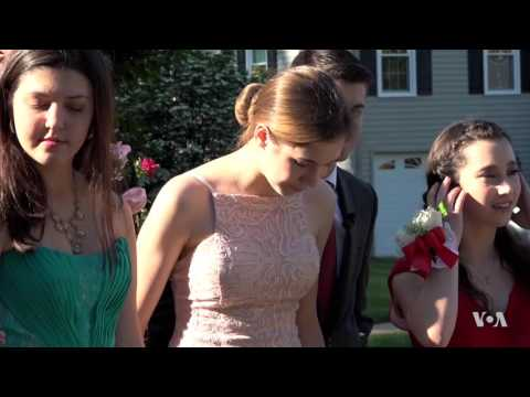 prom-still-an-iconic-dance-for-teens-in-the-us