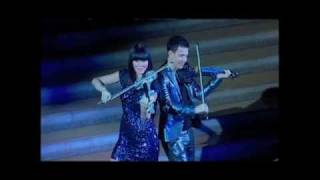 Download Electric Violinists Linzi Stoppard & Ben Lee  Perform At The Philadelphia Museum Of Art MP3 song and Music Video