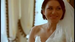 Свадьба в цвете пурпур и чернильный