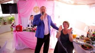 Свадьба на теплоходе в Москве ведёт профессиональный поющий ведущий и тамада Сергей Мартюшев