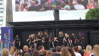 Making the audience dance!  | Glasgow Green | Achieve More!