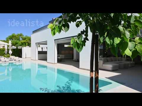 Brand new luxury 7 bedroom villa near the beach of Dunas Douradas in Vale do Lobo