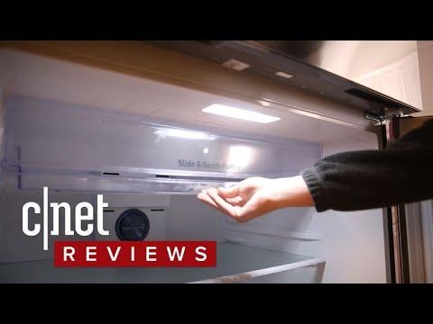Samsung RT21M6213SR top freezer refrigerator review: Simple, yet stylish