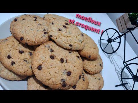 ma-nièce-prépare-des-cookies-flocons-d'avoine-et-pépites-de-chocolat-😋