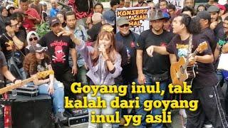 Download lagu Penyayi malaysia, membawa lagu, goyang inul, di sogo