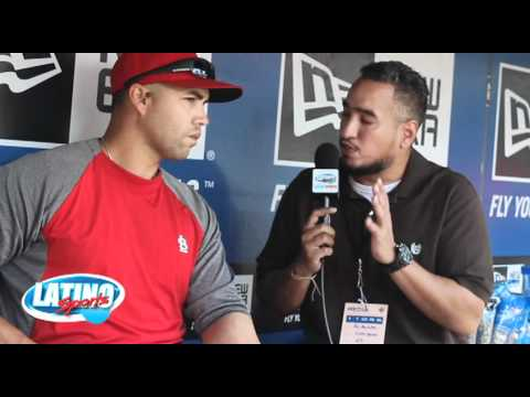 GEMINI KEEZ IN THE PEN WITH ST. LOUIS CARDINAL OUTFIELDER CARLOS BELTRAN Travel Video