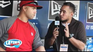 GEMINI KEEZ IN THE PEN WITH ST. LOUIS CARDINAL OUTFIELDER CARLOS BELTRAN