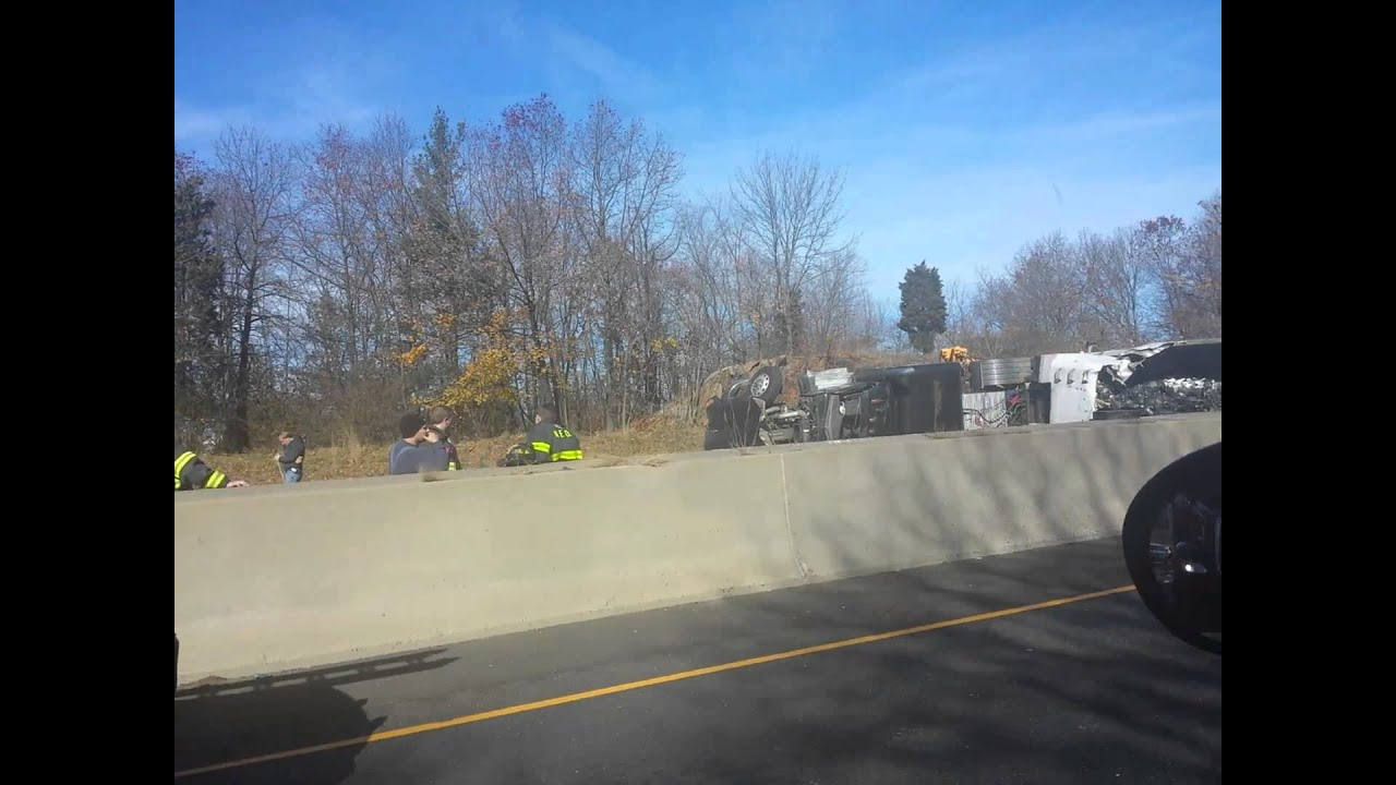 I-95 18 wheeler accident in Connecticut 11/20/2013