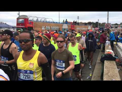 New York City Marathon 2015 - The start on the Verrazano Bridge (Frank Sinatra)