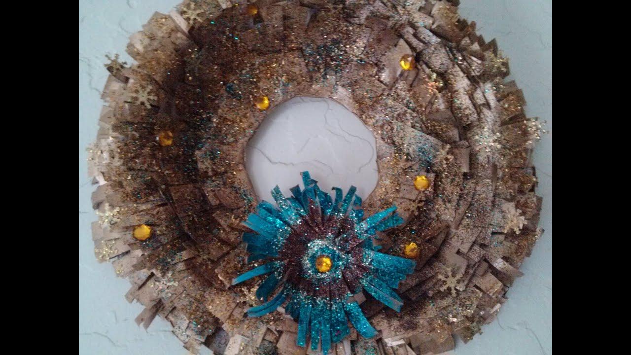diy corona navidea de periodico christmas wreath using newspaper youtube