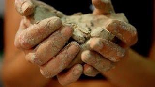 Как и где найти глину для гончарного дела(Если вы хотите зарабатывать в YouTube http://join.air.io/rukolepie Если вы хотите посетить мой сайт http://rukolepie.com/ В этом видео..., 2014-01-28T17:49:39.000Z)