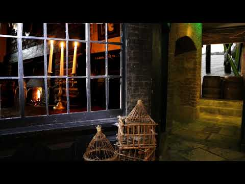 Victorian ASMR - London Docks - Outside The Riverside Pub on The Watermen's Stairs