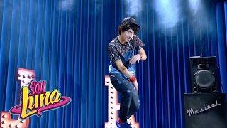 Ramiro Canta I D Be Crazy Español Momento Musical Con Letra Soy Luna