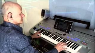 Ich Bin Verliebt In Die Liebe / Chris Roberts on Yamaha Tyros 4