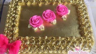 Bolo decorado na cor rosa pink