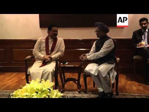 Sri Lanka's President Mahinda Rakapaksa meets Indian PM Manmohan Singh