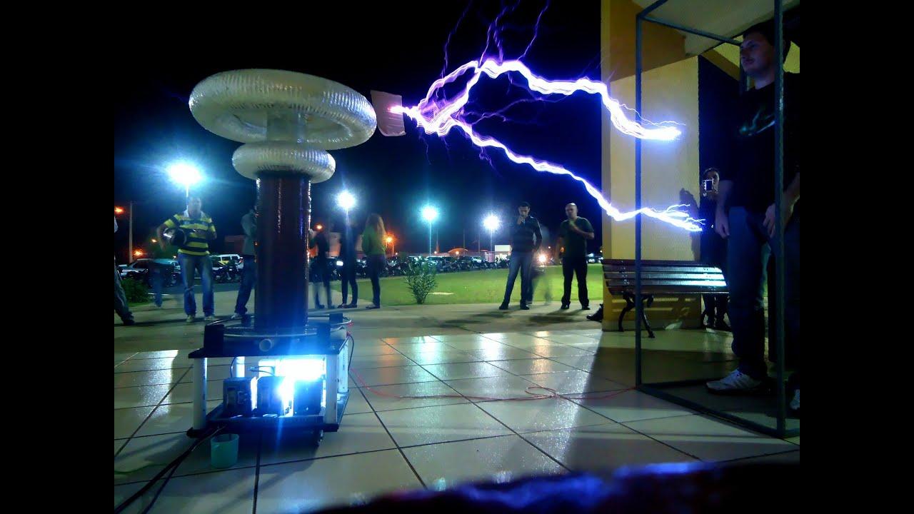 Bobina De Tesla Gigante No Ifsp Campus Birigui Youtube