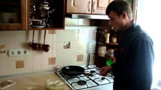Чесночно-луковый суп с хрустящим  беконом