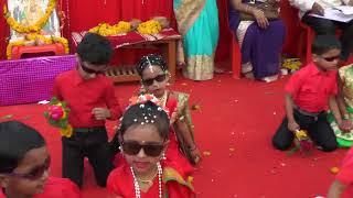 Shitti Vajali Gadi Sutali -  Marathi Song Amazing Dance Performance.