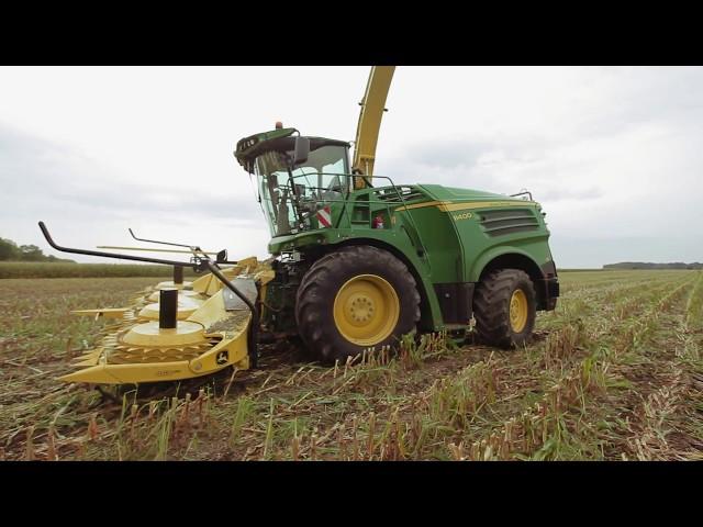 Demonstracja pracy sieczkarni samojezdnej John Deere serii 8000 | Agro-Efekt