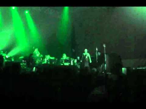 SEZEN AKSU - AH ISTANBUL (canli performans)
