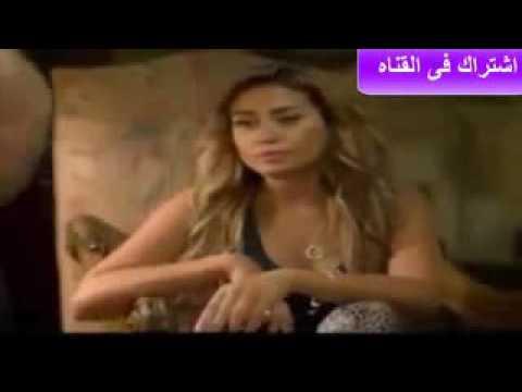 فضيحة خروج حلمات بزاز دينا الشربيني من الفستان   سخونة نار نار thumbnail