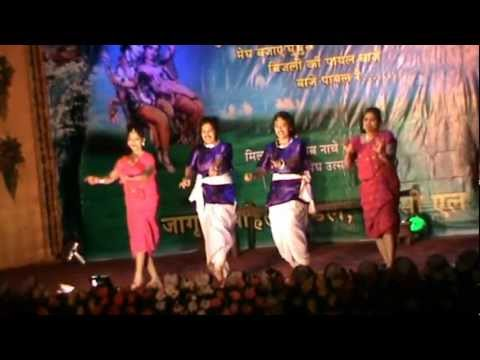 Aankhen Movie - Angna Mein Baba Duaare Pe Maa Song Lyrics
