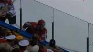 Сборная России по хоккею 2008 (russian hockey team)(Видео о победе сборной России по хоккею на чемпионате мира 2008 в Канаде Музыка: Крокодил Гандри - Bonebreaker..., 2008-05-22T10:44:54.000Z)