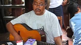 Y Moan Nghệ sỹ ưu tú hát Cha tôi, Đôi chân trần - Buônmêthuột tháng 07/2010.
