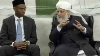 Huzoor's Meeting With Khuddam-ul-Ahmadiyya Students - Part 1