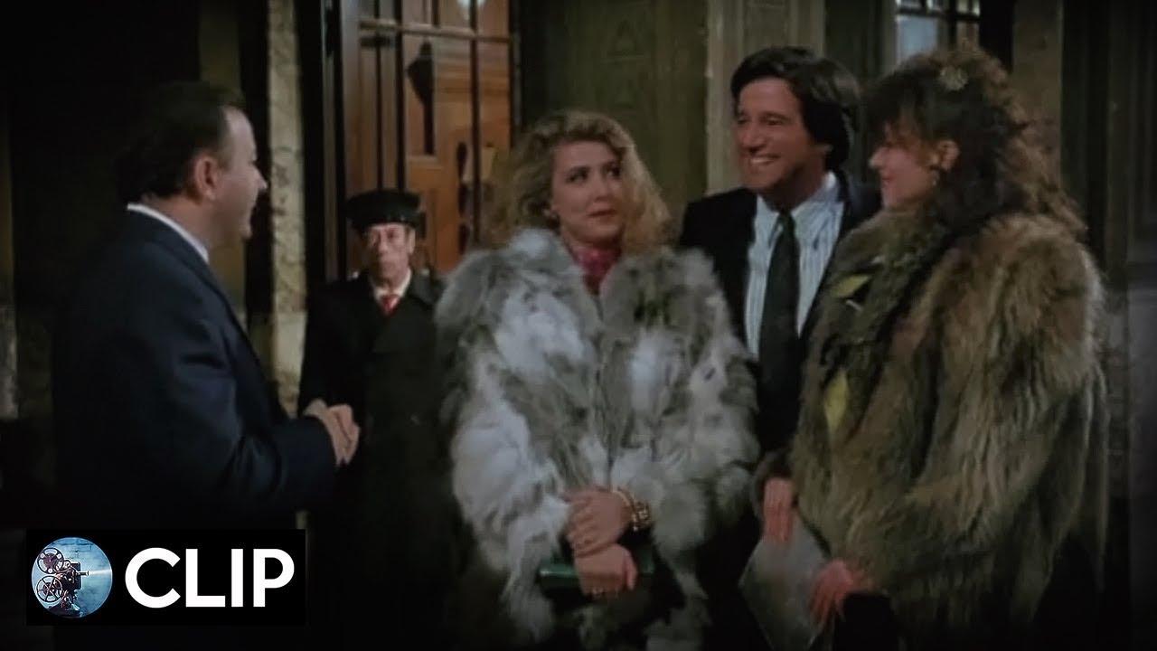 Yuppies: 'Loredana e Moana' (Christian De Sica/Massimo Boldi) - 1986 (Clip)