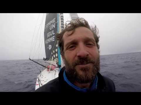 J49 : Eric Bellion est à la moitié du parcours / Vendée Globe
