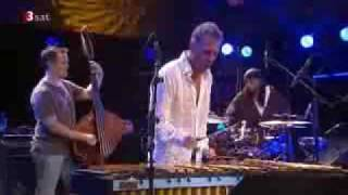 """Mike Pope performing """"Fractured"""" with the Joe Locke/Geoffrey Keezer Group part 1"""