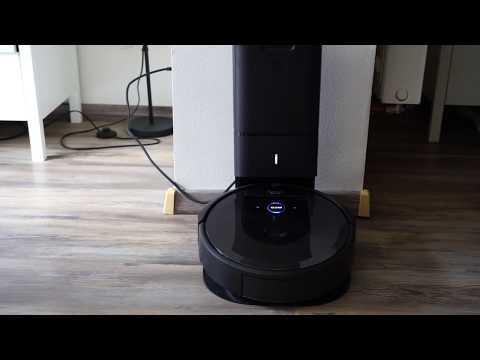iRobot Roomba i7+ automatické vysypávání zásobníku ve stanici Clean Base