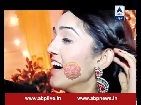 Gopi gives away some useful tips to her fans over make-up