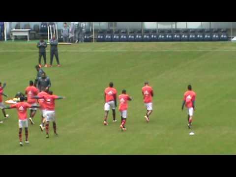 Aquecimento dos jogadores na Vila